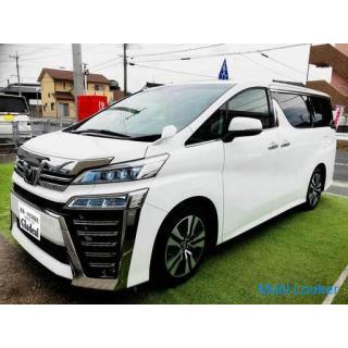 1年乗り新古車 9000KM 即納車可能! ヴェルファイア 2.5L z-gエディション 合皮電動シート シートヒーター 電動スライド 電動トランク