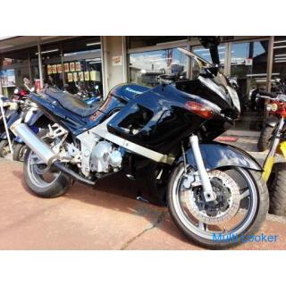 カワサキ ZZR400 N型 水冷4サイクル16バルブ4気筒エンジン ブラック