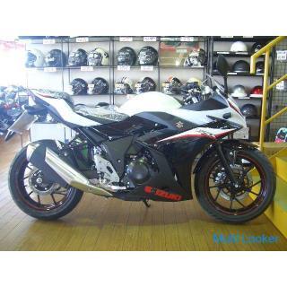 スズキGSX250R(白/黒)
