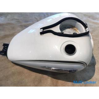 ドラッグスター 400 クラシック VH01J 燃料タンク コック付 補修やカスタムベースに! ホワイト