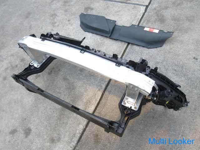 H20年 アウディ A4 8KCDH ラジエーター コア サポート